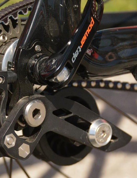 The tensioner requires a derailleur hanger on the bike