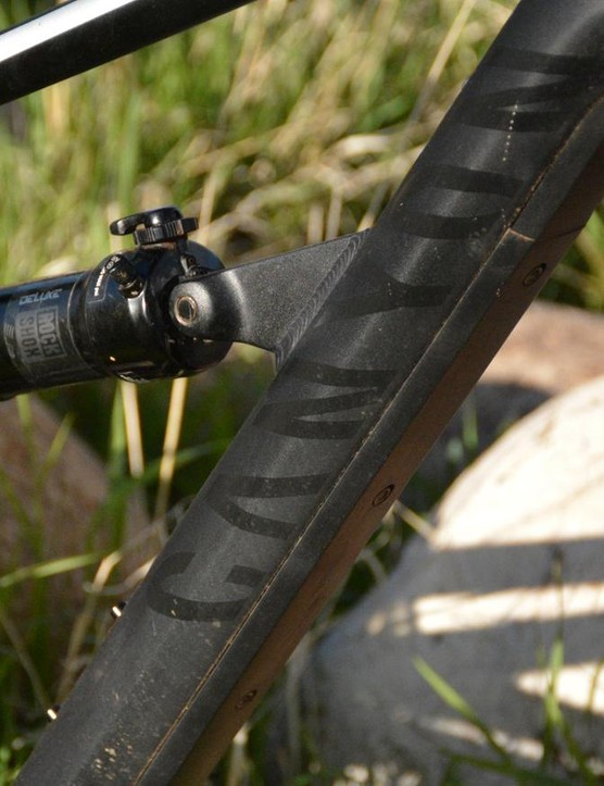 Look closely, instead of internal cable routing, Canyon hides the cables under this down tube guard. It's a slick, easy system