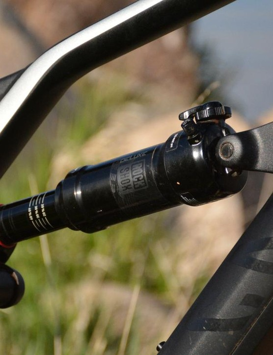 A RockShox Deluxe RT shock handled the rear end's 140mm travel