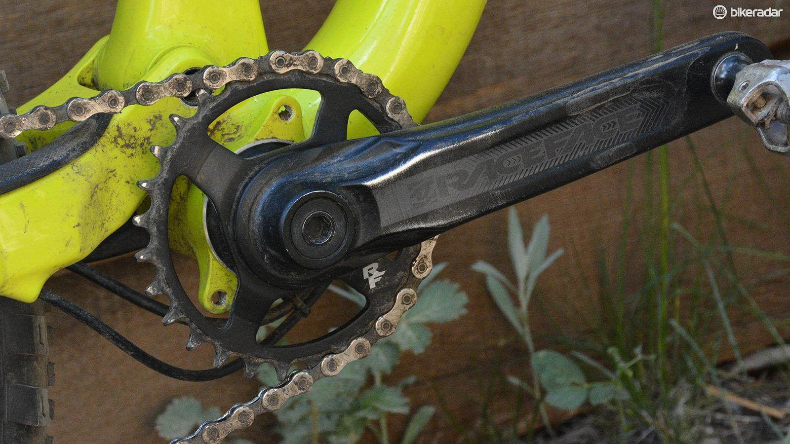 The Race Face Aeffect crank spins a little 28-tooth chainring