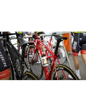The entire Trek-Segafredo team was training with the Flare R rear lights