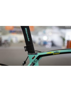 As with most modern aero bikes, the Oltre XR4 has a proprietry frame-specific seatpost