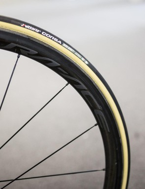 Bennett's 24mm Shimano Dura-Ace R9100 wheels are paired with tan walled Vittoria Corsa tubular tyres