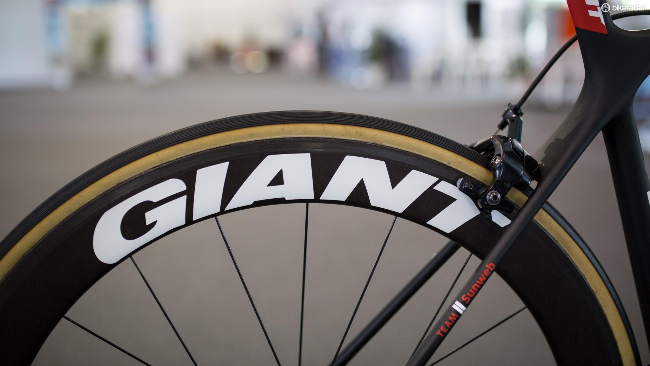 Large, bold decals feature on the wheels from Giant