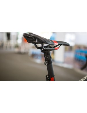 The Giant TCR has an integrated seatmast, which is topped with an aluminium cap to attach the saddle