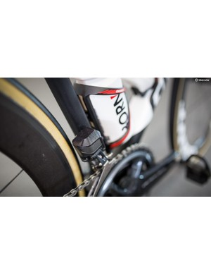 A close look at the Shimano Dura-Ace R9150 Di2 electronic front derailleur