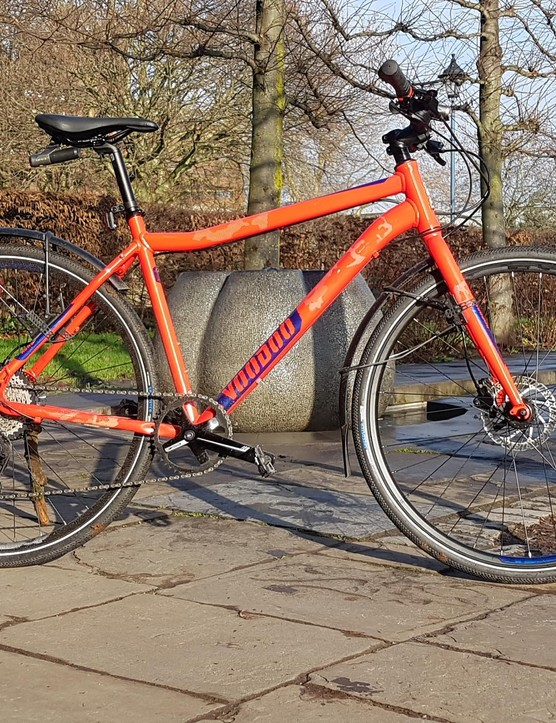 The Agwe is Voodoo's latest urban commuter… mudguards and lights tester's own!