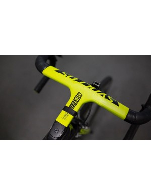 The Syncros RR1.0 SL handlebar/stem combination has had a special finish for the Australian sprint sensation
