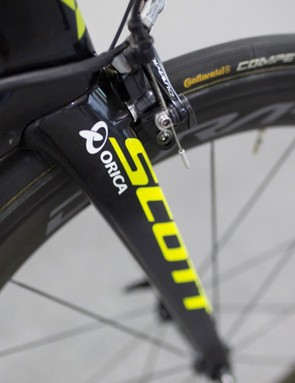 Until the 2018 bikes are ready, Mitchelton-Scott will be racing with their previous sponsor Orica on the forks of the Scott Foil