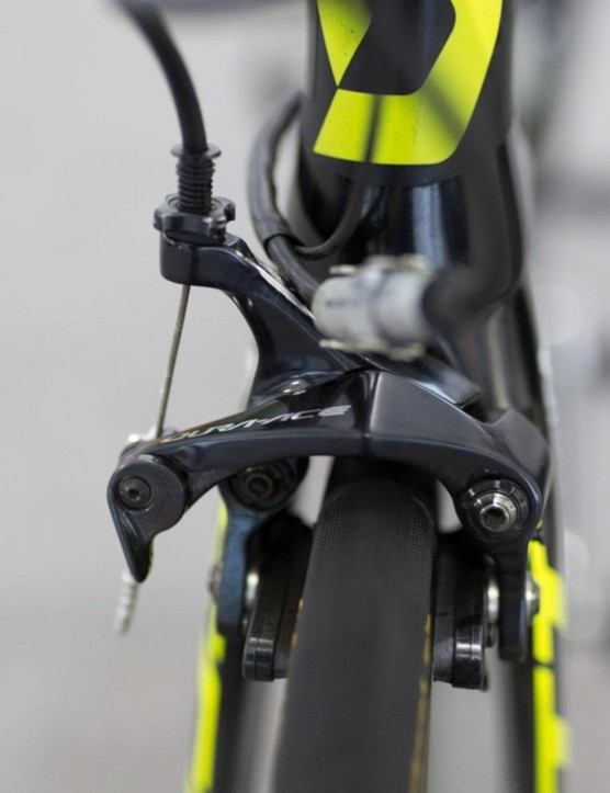 Scott's Foil RC features a direct mount brake at the front end of the bike