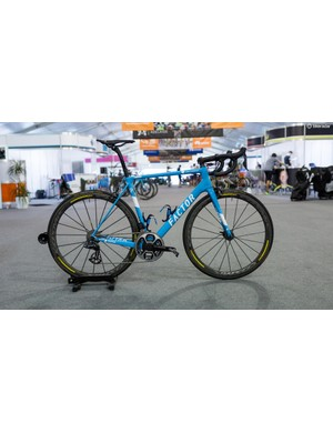 AG2R-La Mondiale's Factor O2 with Shimano Dura-Ace R9150, SRM cranks and Mavic Cosmic wheels