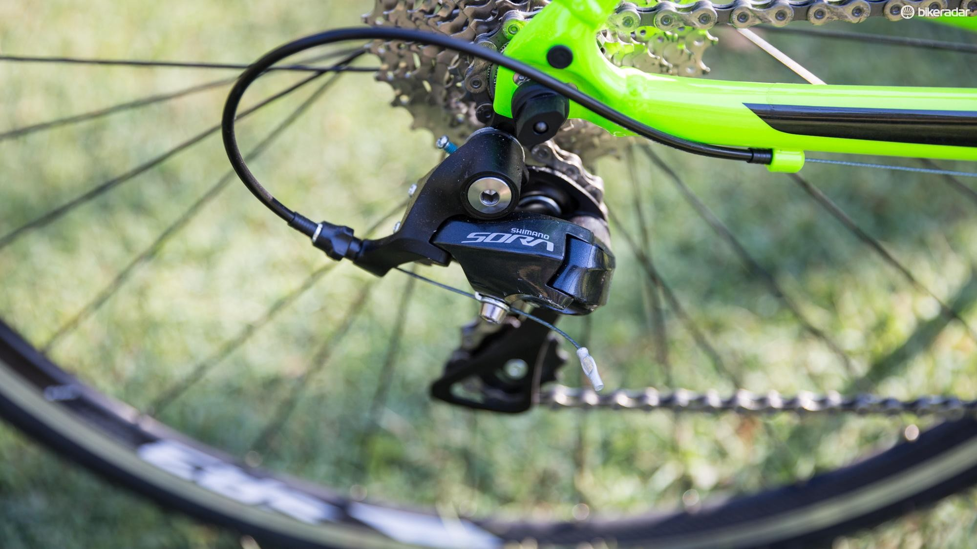 There's a Sora derailleur at the back