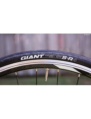 25mm rubber with a soft compound — well done Giant!
