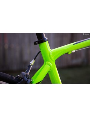 The slightly dropped chainstays allow the seat tube to flex a bit