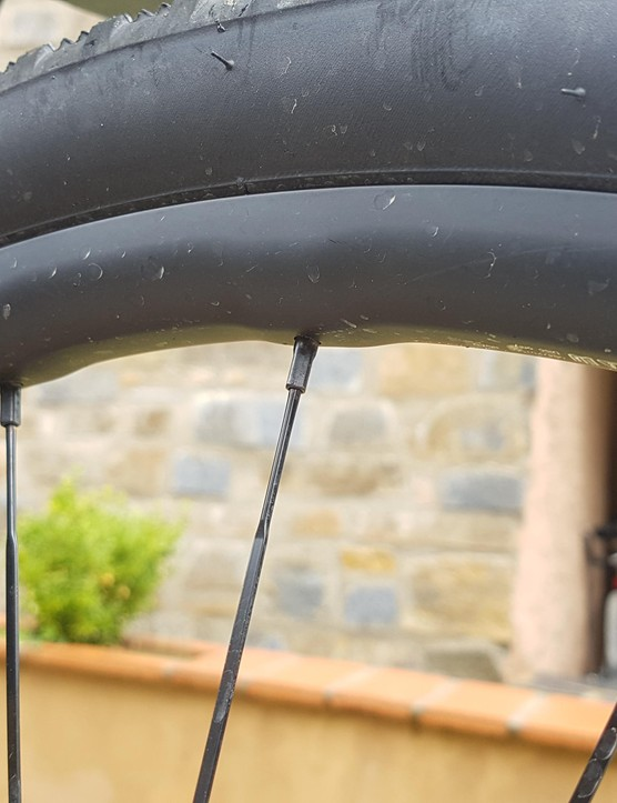 The 650b wheel doesn't have the Fore Drilling, because this would make the rim too harsh, apparently