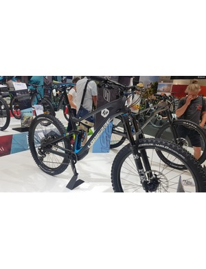 The Lapierre Spicy gets 160 or 170mm travel, and the same wheel options