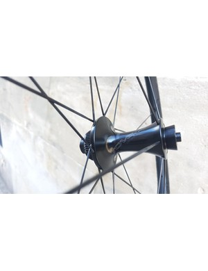 The svelte front hub contains CeramicSpeed bearings