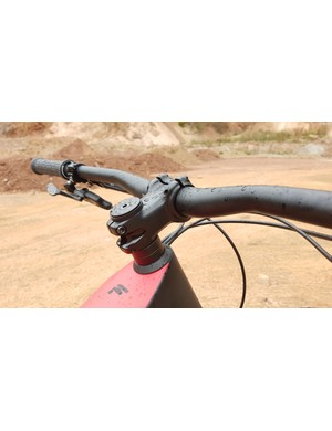The 55mm stem gives a little extra room up front, but isn't exactly 'on trend'