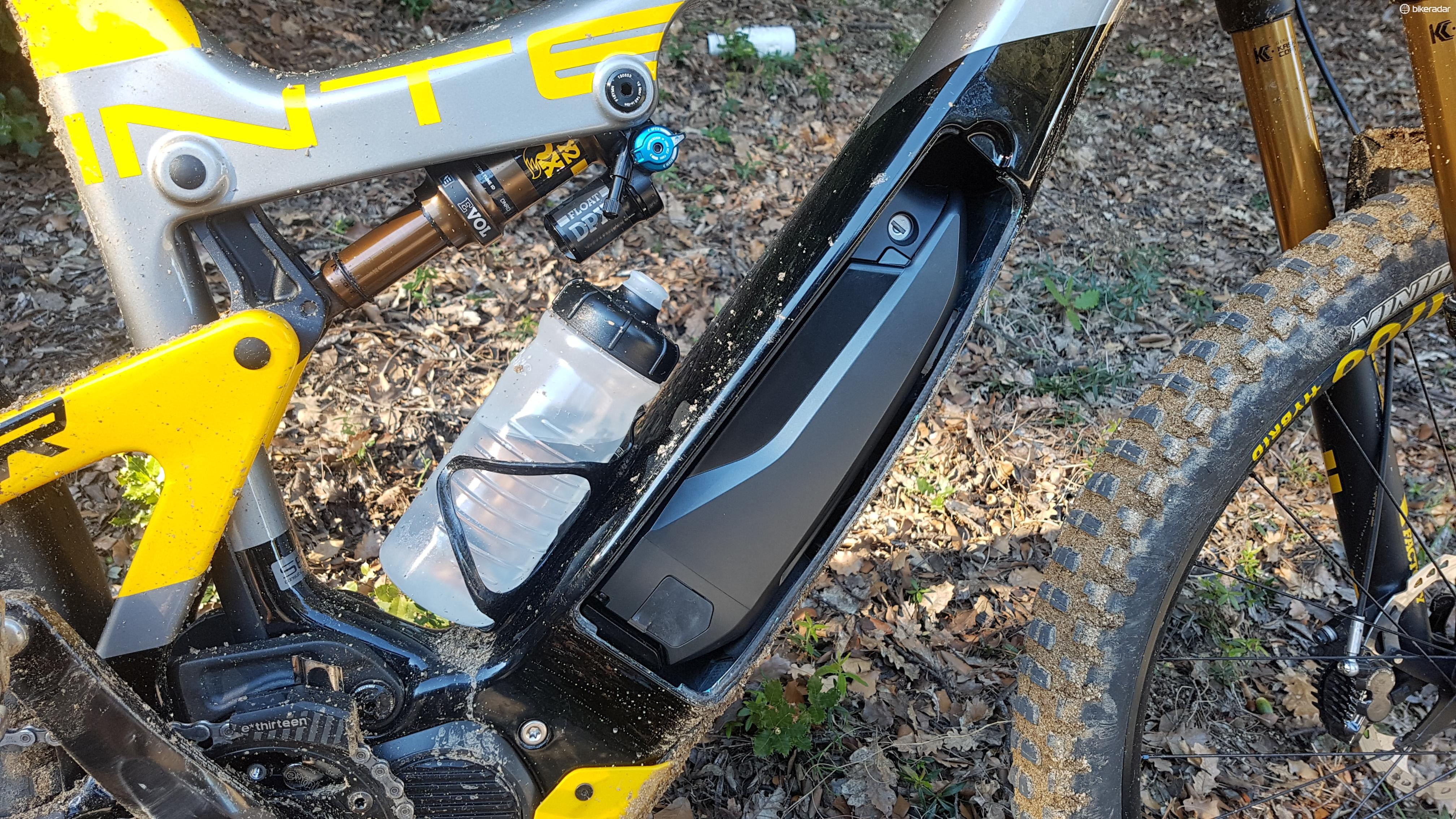 The regular Shimano battery is hidden behind a simple clip-in-place plate