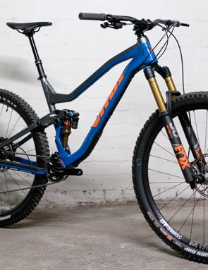 We think the Vitus Escarpe 29 VRX is a rather good looking bike