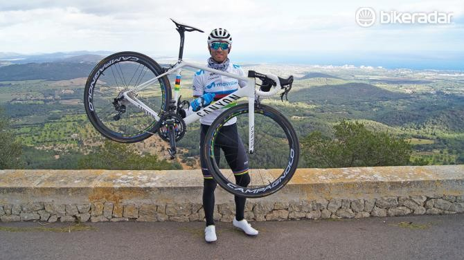 Alejandro Valverde shows off his custom Canyon