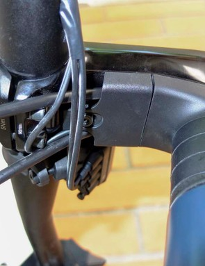 The ICS stem tidies up the Di2 wires and brake hoses, so there's nothing near your knees