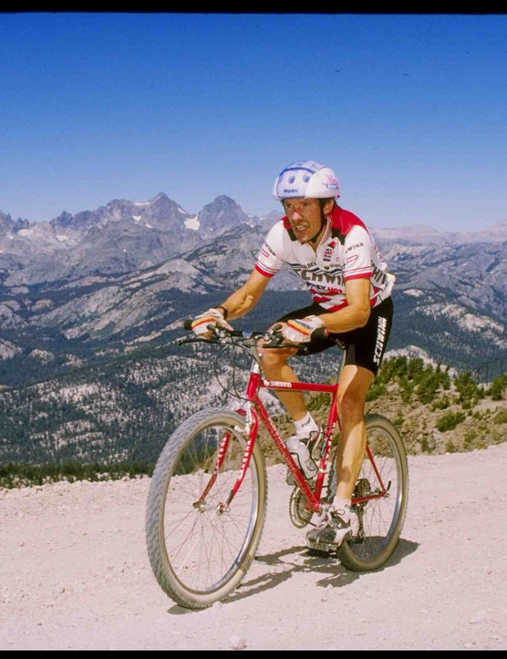 Ned Overend racing the 1987 National Championships in Mammoth, California, one year before switching to Specialized.