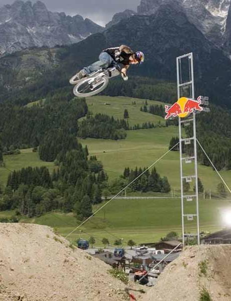 Andreu Lacondeguy defies gravity at Leogang.