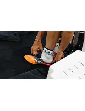 A prototype shoe from Specialized with a lightweight upper was spotted being used by the team