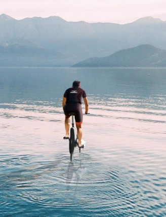 Will riding e-bikes on water be the next big thing?