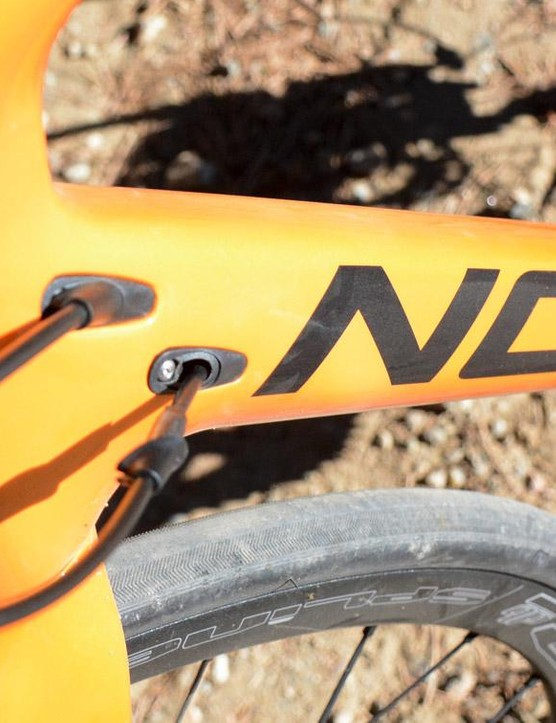 The carbon frame features internal cable routing ready for cables or electronic wires