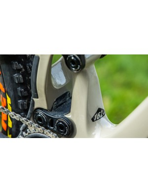 162mm of rear travel is delivered through a DW-link suspension with wide, downhill-inspired linkages