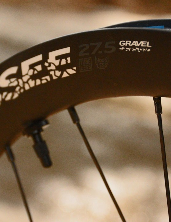 The carbon rims are hookless, tubeless and 36mm tall