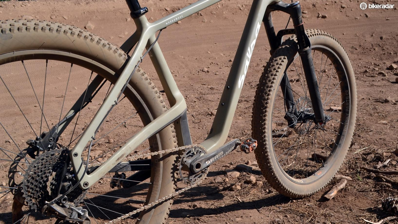 """Salsa's Woodsmoke """"buys"""" clearance by elevating the drive-side chainstay"""