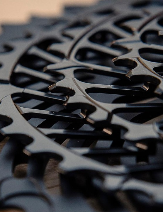 The five biggest cogs of the cassette are deisgned to work specifically with the inner or outer links of the chain to improve control when shifting
