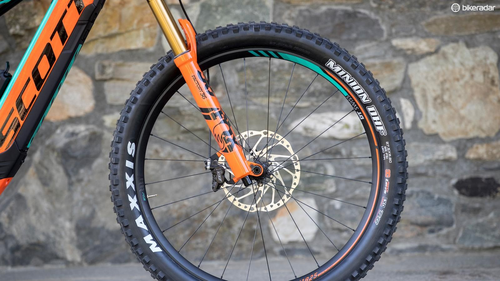 """E-bike specific Fox 36 forks, Shimano Zee brakes, 30mm-wide Aluminium DT Swiss wheels and 2.8"""" Maxxis Minion tyres are all solid spec choices"""
