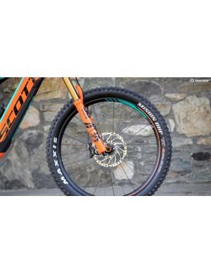 E-bike specific Fox 36 forks, Shimano Zee brakes, 30mm-wide Aluminium DT Swiss wheels and 2.8