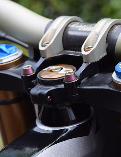 Gwin's fork setup is not as radical as you might think, though the prototype damper is still something of a mystery