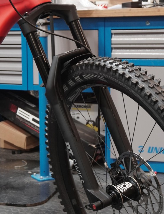 DT Swiss hopes to compete with the big suspension players with their F535 fork