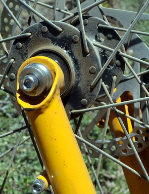 The front hub is 15x110mm