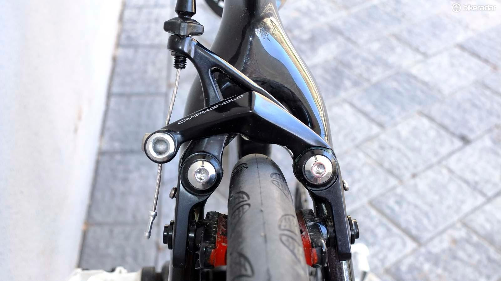 A new direct-mount rim brake allows clearance for tyres up to 32mm