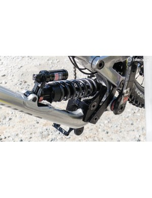 Commencal produces three different linkages for the Supreme, allowing riders to 'tune' the bikes for each course