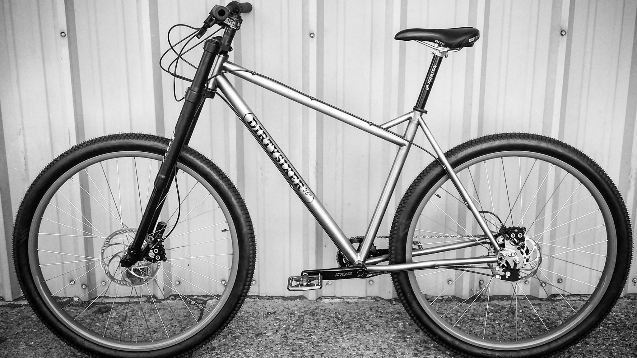 This prototype bike is built around a Rohloff drivetrain and an MRP inverted fork