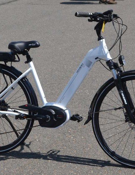 This Bosch system carries its battery on top of the rear rack