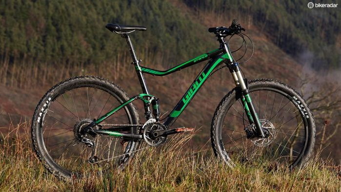 One of only two full suspension bikes included, Giant packs a lot of value in the Stance 27.5