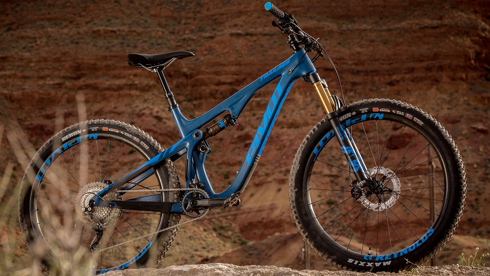 27.5+ wheels and tires, and this striking Blue Steel color, are options on the Trail 429
