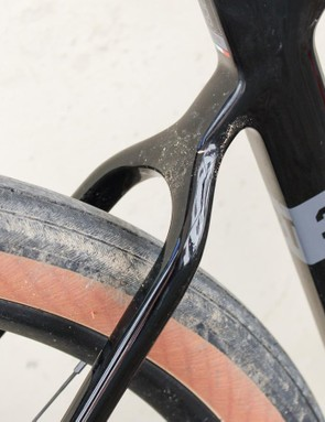 Plenty of clearance through those dropped seatstays too