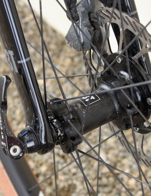 The Exploro uses a 15mm thru-axle up front