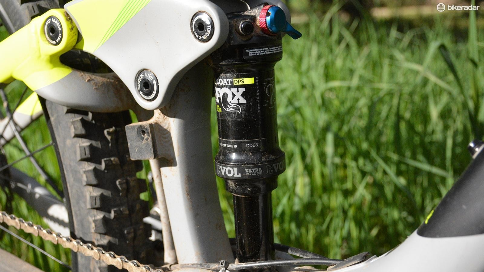 In the back, a Fox Float DPS Evol rear shock was a good match to the front