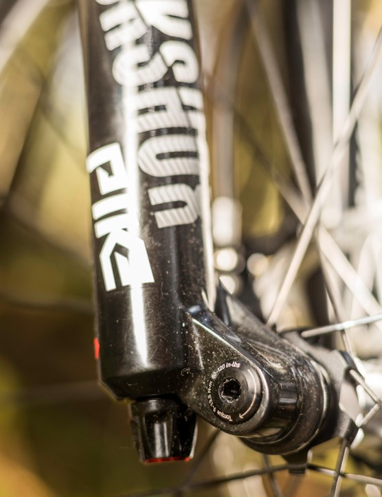 There's a choice between the Maxle Stealth or tool free Maxle Ultimate axle